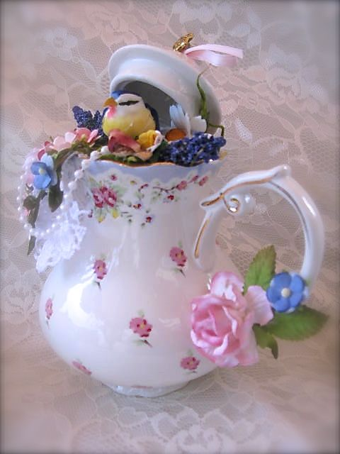 Victorian Altered Teapots | Labels: Altered Art , birds , Shabby Chic , Victorian
