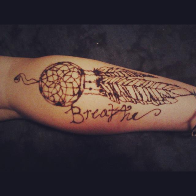 Dream Catcher Henna Tattoo Designs: #henna #tattoo #dreamcatcher