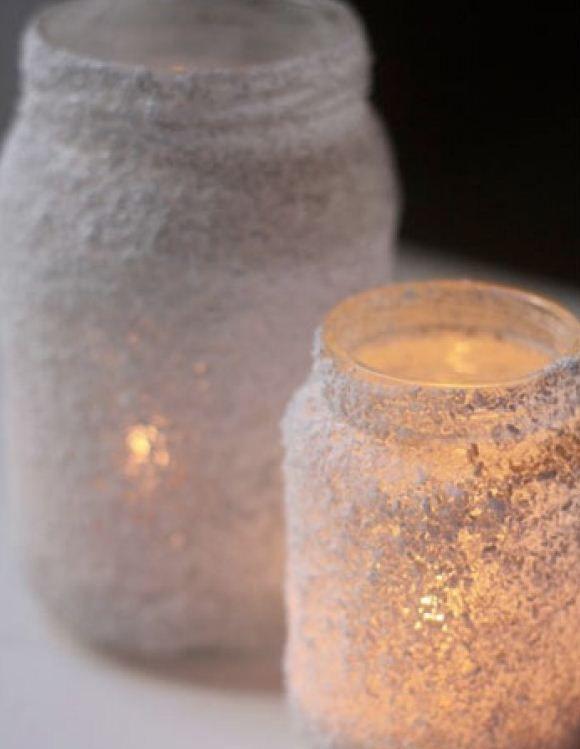 lege bokaaltjes, lijm er op en door het zout rollen, en klaar! dan nog theelichtje voor de sfeer