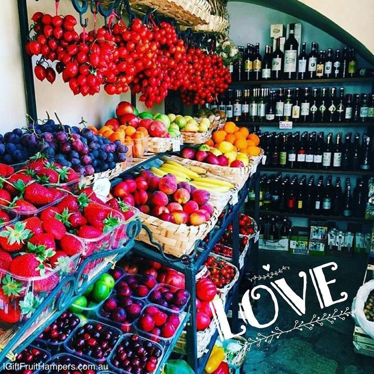 Our kind of paradise! We would add a spa & log fire for the perfect weekend #fruit #fruits #wine #weekend #weekendgetaway #getaway #spa #logfire #love #takemeaway #perfectweekend #luxury