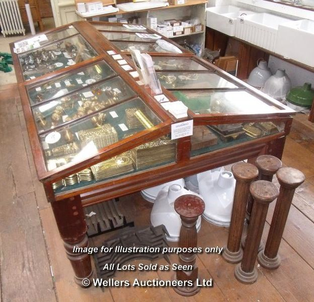 how to create a museum display