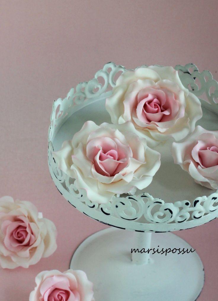 Marsispossu: Ruusuja, Sugar roses