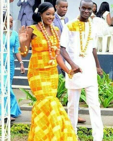 kaba and slit for engagement