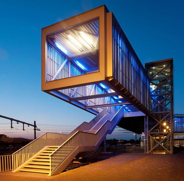 Stedenbouwkundige ontwikkelingsvisie, stedenbouwkundig plan, artikel 19 , bouwkundig ontwerp en inrichtingsplan i.o.v. Heilijgers-BAM en gemeente Barneveld (gerealiseerd 2006)