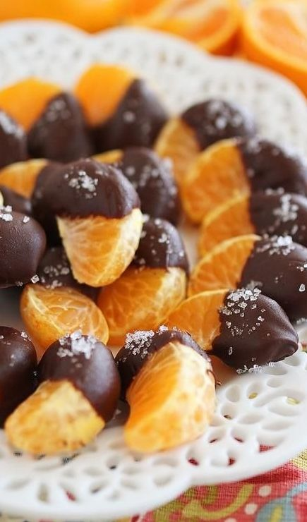 #Chocolate Dipped #Clementines with Sea Salt - This is such a cute idea! #HealthyEating