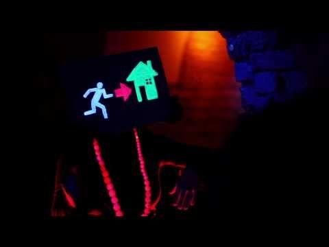 Laserkraft 3D - Wortschatz: Freizeit, ausgehen, Jugendsprache Grammatik: Verben im Präsens, Modalverben, Imperativ
