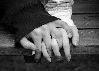 Meu caminho pode não ser o teu caminho. Contudo, juntos marchamos de mãos dadas.