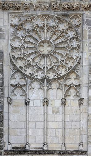 Fake gothic window in Tours cathedral