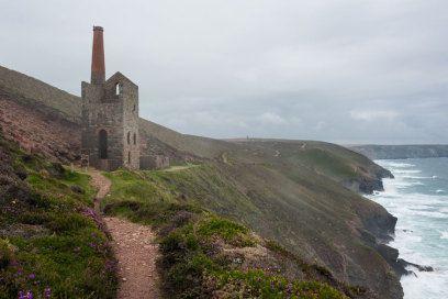 Die Grafschaft Cornwall in England kennen viele Urlauber vor allem wegen der Bestseller-Autorin Rosamunde Pilcher und den Buchverfilmungen. Ein Besuch.