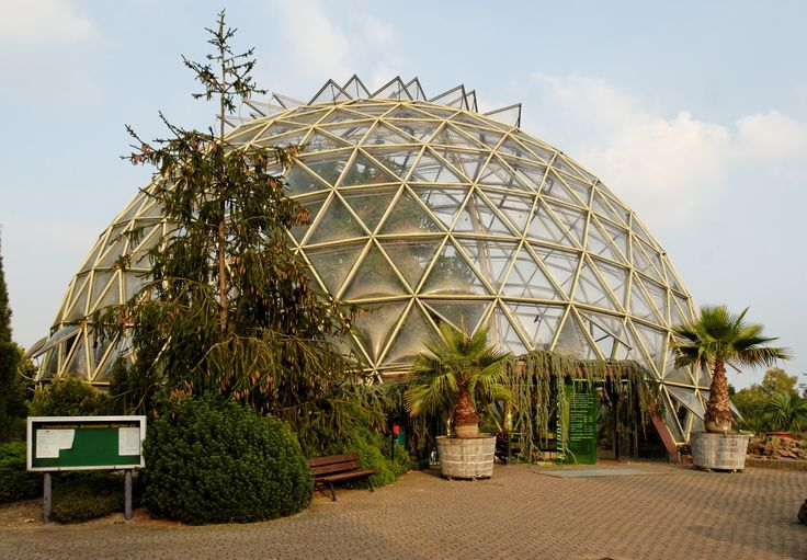 When you live in northern areas, when you want to extend the growing season for some late vegetables and flowers, what can you do? Build a geodesic greenhouse and cover it withPolydress®SolaWrap Poly Keder greenhouse plastic. http://greenhousedomekit.com/geodesic-greenhouse-dome/geodesic-greenhouse-domes/