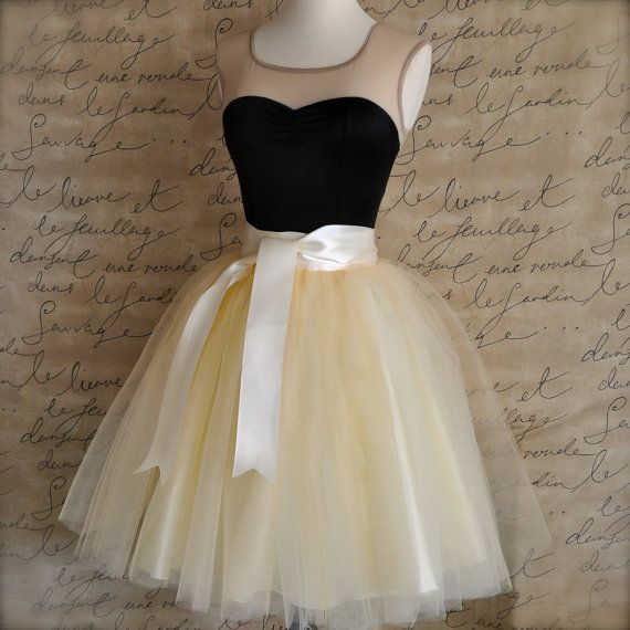 Ivory or champagne short tulle skirt fluffy tulle layers for Fluffy skirt under wedding dress