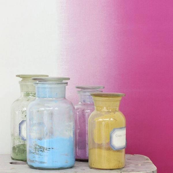 Dip dye roze behang van de behangwinkelier. Haal de zomer in je huis!