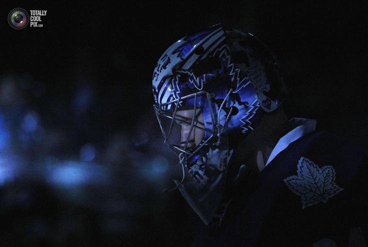 Toronto Maple Leafs goalie James Reimer is seen in the pre-game spotlight against the Edmonton Oilers before their NHL hockey game in Toronto February 6, 2012. REUTERS/Mark Blinch