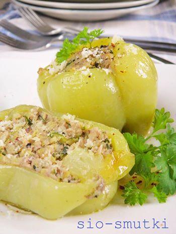 Sio-smutki: Pieczona papryka nadziewana mięsem i cukinią