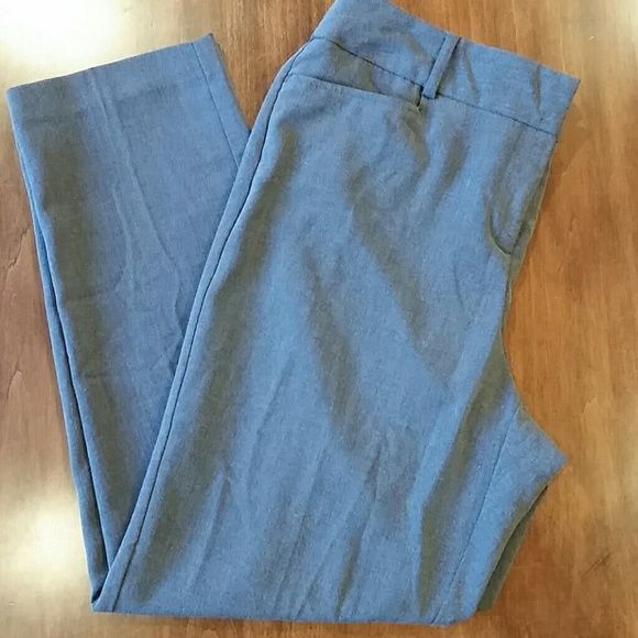 Style & Co gray petite dress pant Gray dress pant with pockets.   In great condition Style & Co Pants
