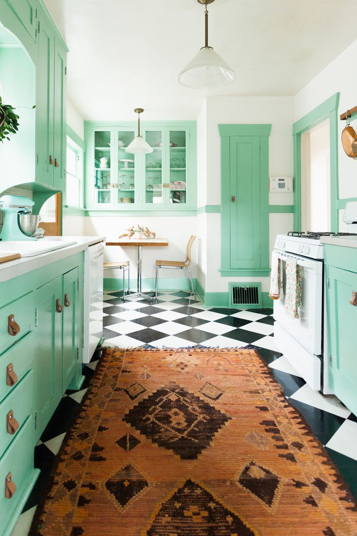311 best Vintage Kitchens images on Pinterest | Vintage kitchen ...