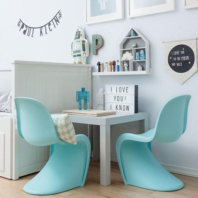 Pantone Chairs Kidsroom | Kinderzimmer