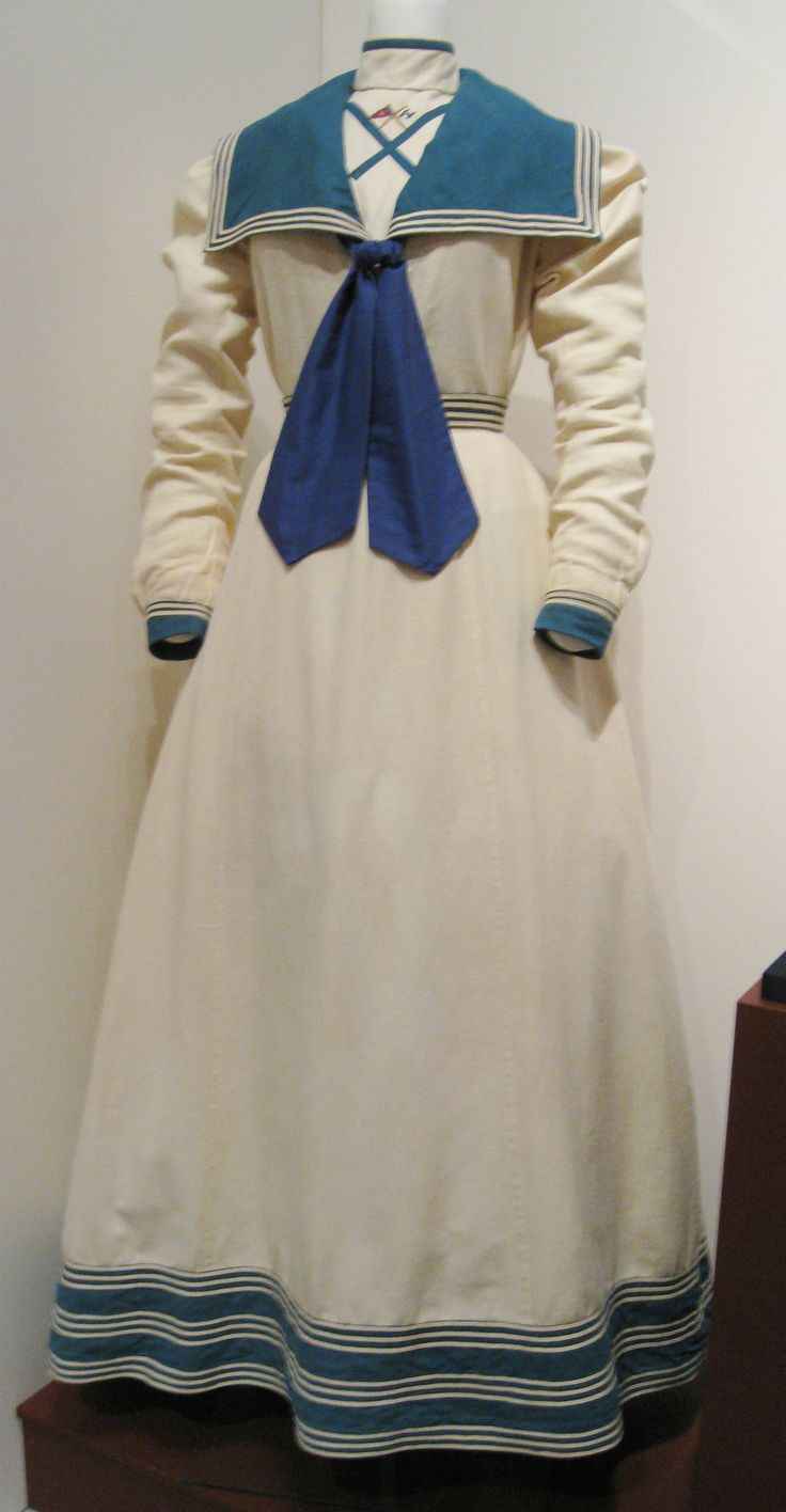A linen and cotton ladies yachting ensemble, (American – c.1897). Embroidered wi…
