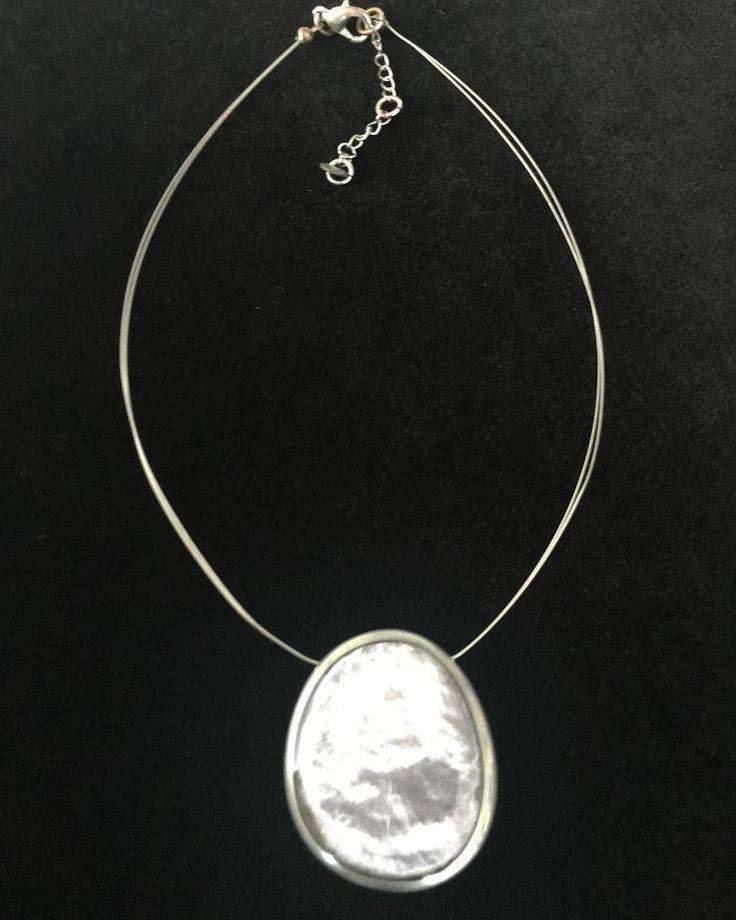 İki taraflı bir tarafı gümüş bir tarafı kehribar özel bir kolye.60 yaşında�� Detaylar bir sonraki postta #kolye #schmuck #kehribar . . . #cremesisters #gümüş #silver #antika #cameo #koleksiyon #leonardo #collection #antique #sale #mobilya #dekorasyon #deko #dekor #eski #vintage #art #sanat #herend #dresden #meissen #limoges http://turkrazzi.com/ipost/1524839764922344846/?code=BUpUa_vliWO