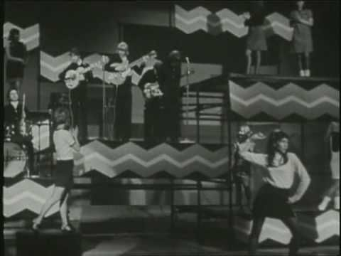 ▶ The Easybeats - She's So Fine + Easy As Can Be - YouTube