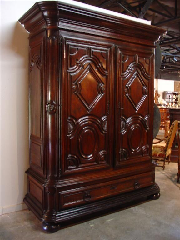 17 best images about armoires on pinterest louis xiv. Black Bedroom Furniture Sets. Home Design Ideas