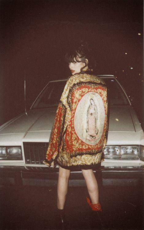 Silk jacket and vintage car www.glamourmarmalade.com