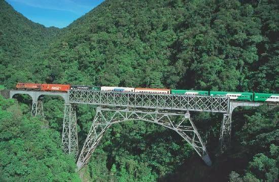 Passeio de trem para Morretes - Paraná - Brasil