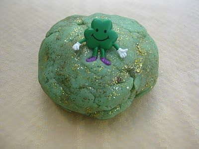 St. Patrick's Day Play Dough Recipe: Pat Playdough, Dough Recipes, Plays Dough, Heidi Recipes, Kids Crafts, St. Patrick'S Day, Fun Ideas, Play Dough, St Patrick'S Day