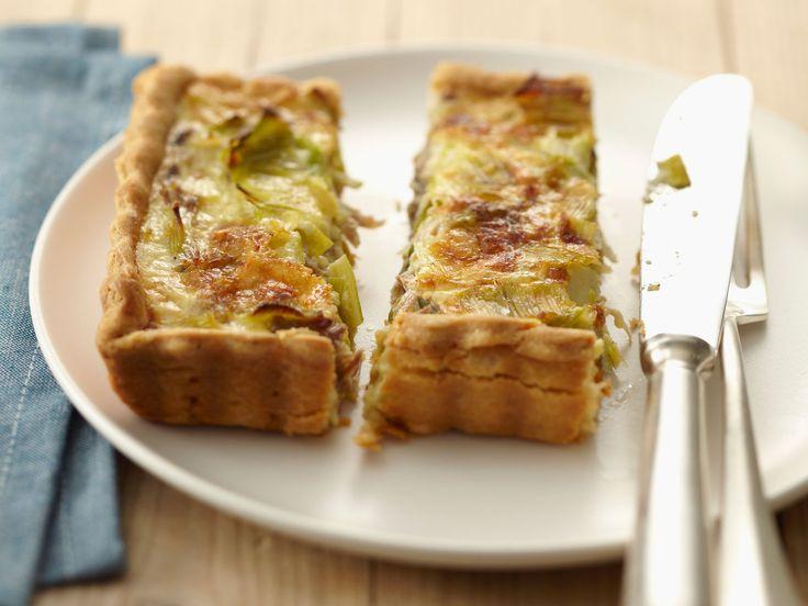 Découvrez la recette Tarte poireaux thon sur cuisineactuelle.fr.