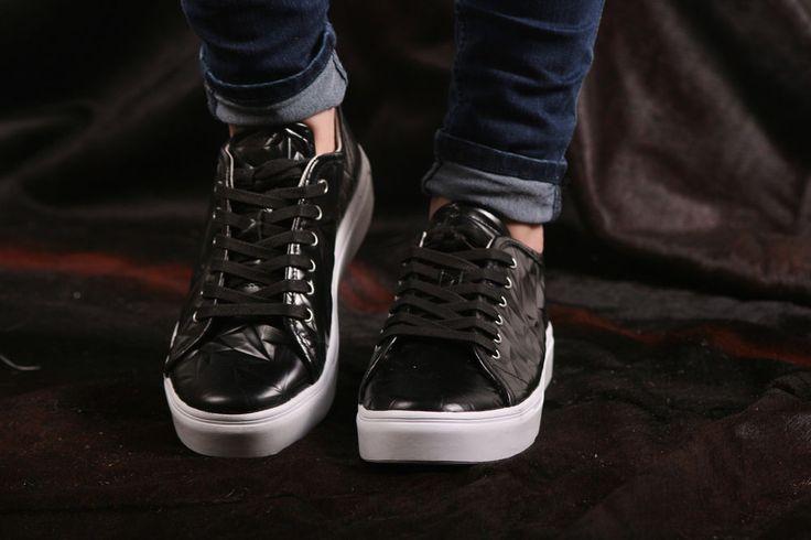 Blackstone Sneaker- flacher, sehr leichter Damensneaker 3D Optik- NL34 Black   #Blackstone #gotingcliff #landbootique
