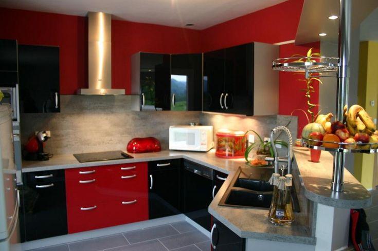 Mobilier cuisine design - Cuisine rouge et noir de style design.