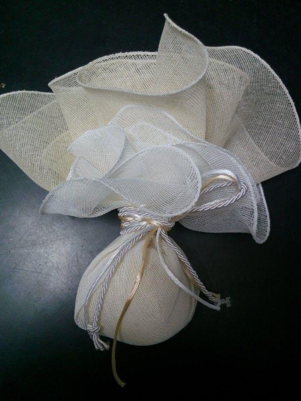 Μπομπονιέρα γάμου γαζα στρογγυλή