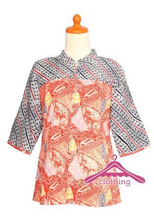 Blus Batik Wanita Lengan Panjang ini sangat unik karena mempertemukan motif pola batik dari daerah yang berbeda yaitu Solo / Surakarta dan Garutan.