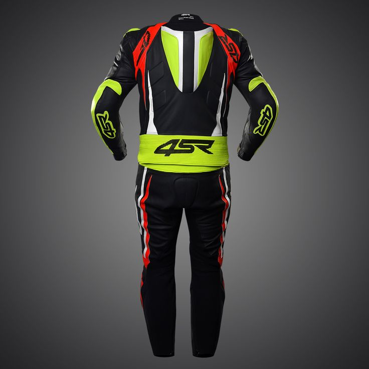 4SR two-piece suit RR Evo III Neon. 4SR 2PC suits consist of 17 ergonomically placed protectors. Race inspired features show up in the form of shoulders, pre-curved arms, 3D lining, articulated knees/sleeves, extension in the arms and more allocation of Kevlar stretch materials. Total mobility, that is the expression characterising all 4SR two-piece suits