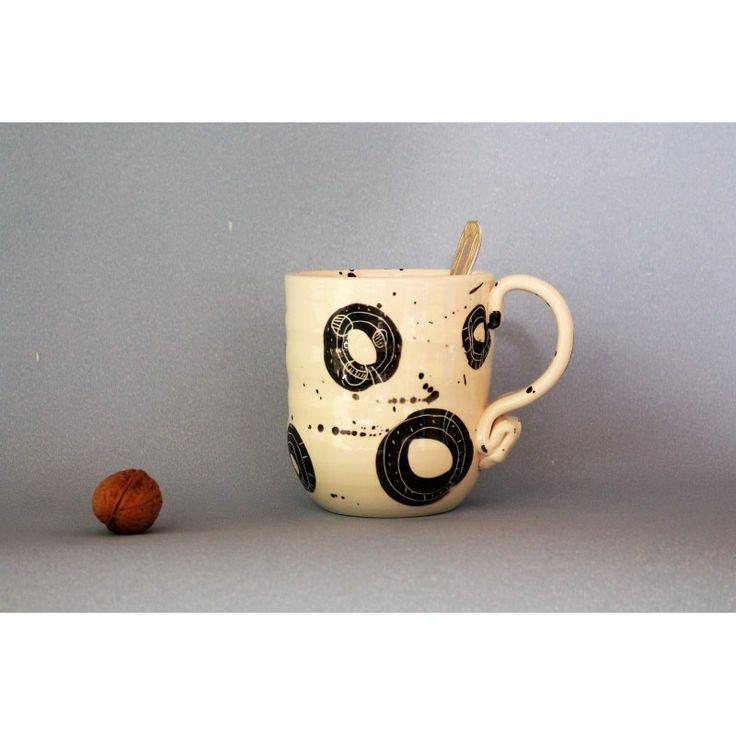 Mug décor Constellation. Contenance 45cl.  Existe aussi en motif Astéroïde.  Nos clients l'utilisent :  - pour des boissons chaudes ou fraîches.  - pour une pinte de bière ou de cidre.