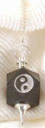 Schwarzer Turmalin Yin Yang Pendel