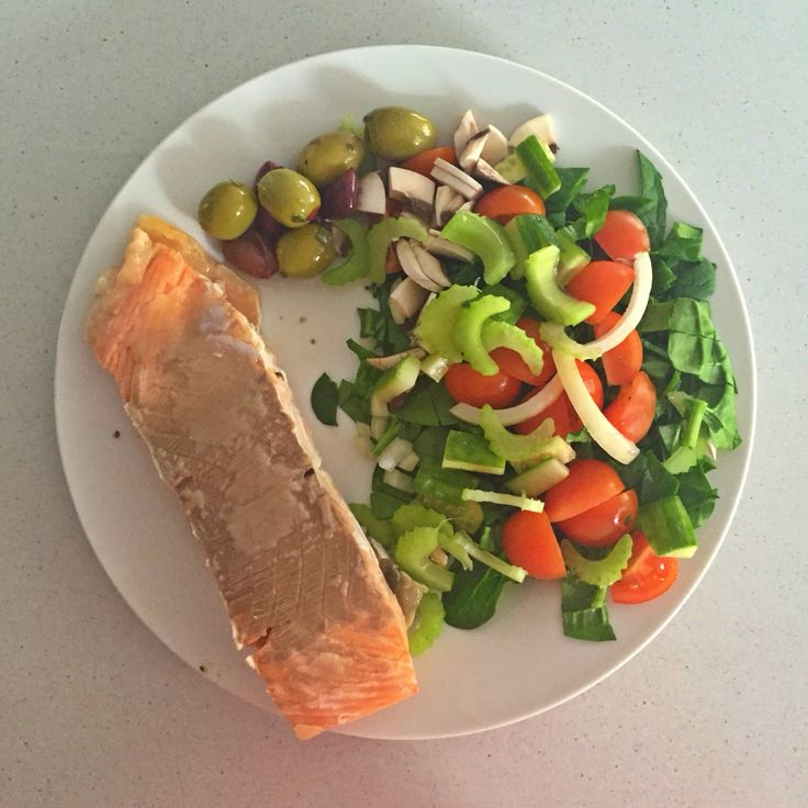 Salmon, salad and olives