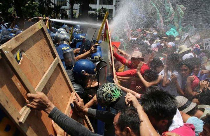 SLIDESHOW: Obama in Manila, Day 2 | ABS-CBN News