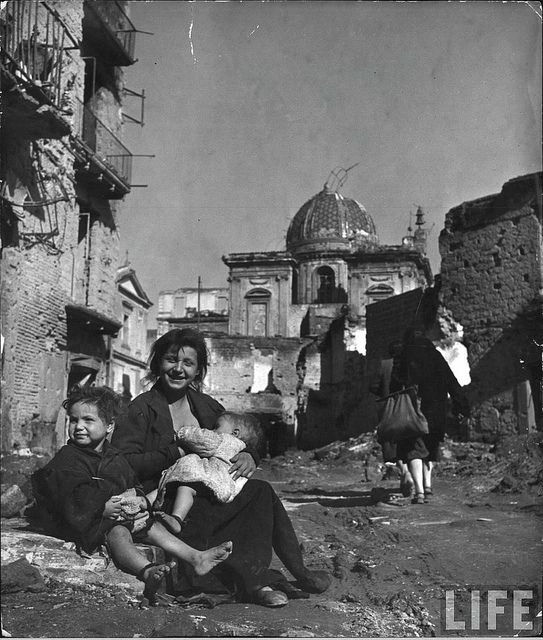 Life in Naples,1944, by George Rodger