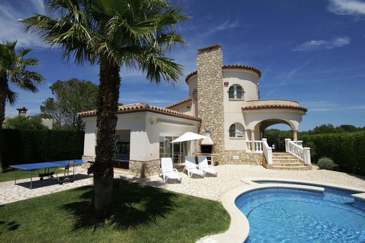 Schitterende villa met ronde vormen, vlakbij zee met prive-zwembad bij L'Ampolla