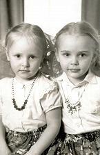 Jekaterina (vas.) on syntynyt vuonna 1986 ja Maria vuonna 1985.