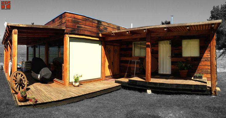 Nativo Redwood. Terraza en casa en Laguna Aculeo, estructura Deck para borde perimetral de quincho con tablas de maderas nativas de roble rústico de 25 mm x 3`` ancho x ML.  www.nativoredwood.com contacto@nativoredwood.com