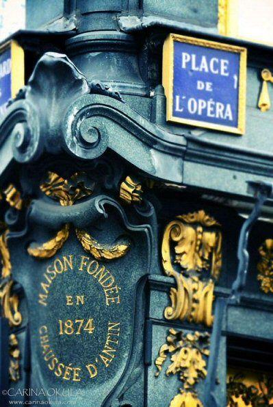 La place de l'Opéra (Paris 2ème/9ème).