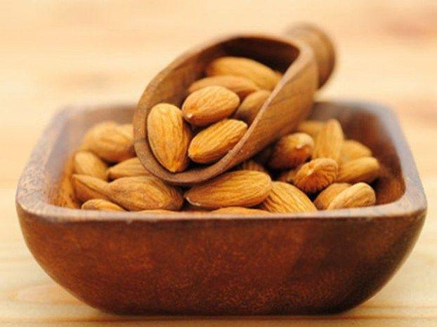 Le mandorle, piccoli e gustosi frutti, sono uno  degli alimenti afrodisiaci noti fin dal Medioevo... http://www.arturotv.tv/cucina-ricette/antipasti/le-mandorle-piccoli-frutti-afrodisiaci