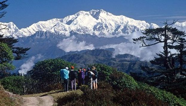 Gentle breeze with the mountain rolling on every frame in Zero Point. http://www.zeropoint.co.in/darjeeling.php
