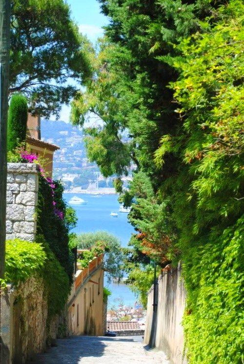 Côte d'Azur, France etiquettes autocollantes et adhésives ETIQUETTOO.com impression de vos etiquettes autocollantes
