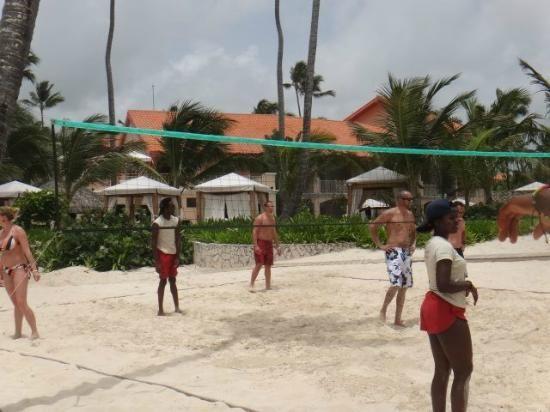 Majestic Elegance Punta Cana: Beach volleyball