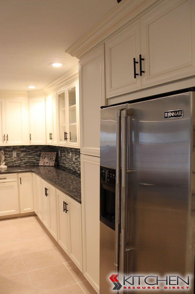hawthorne photo gallery cabinetscom by kitchen resource direct. Interior Design Ideas. Home Design Ideas