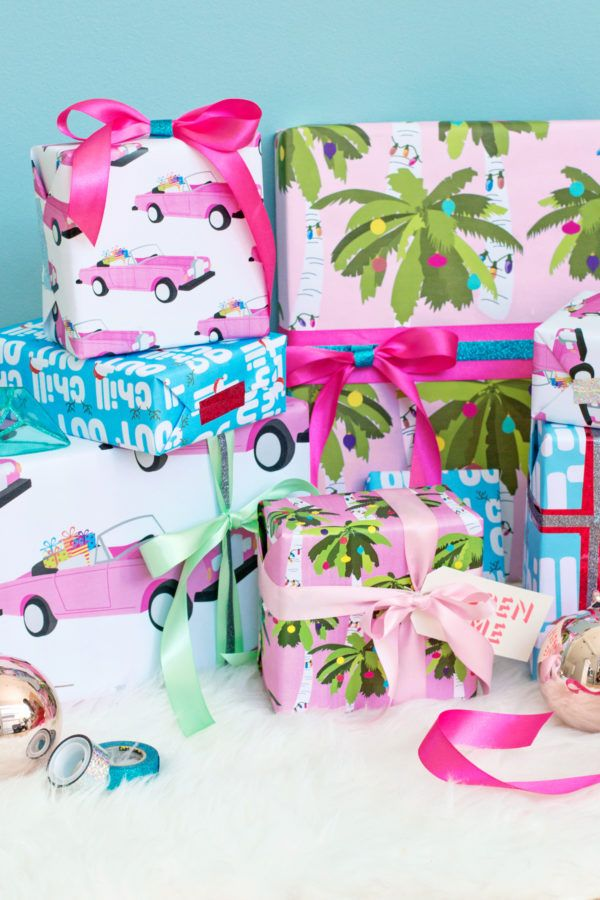 Free Printable Tropical Holiday Gift Wrap (+ Two Ways to Decorate It!) | studiodiy.com