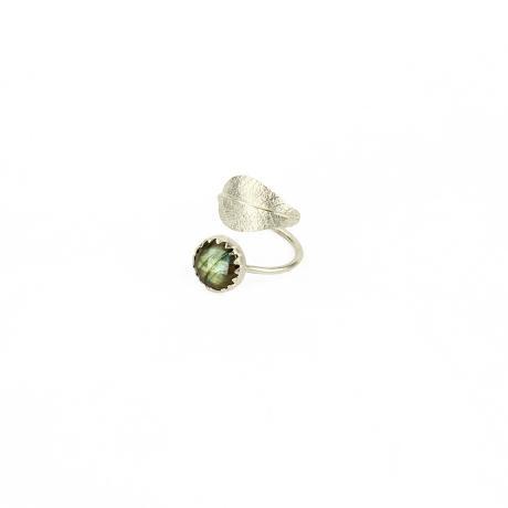 Muchi Galoosh Labradorite Leaf Ring – Silver from Ornamental Morocco